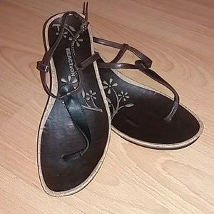 Kenneth Cole brown sandal
